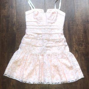 Beautiful LAILA pink & white lace dress, size 4